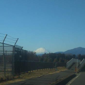 富士山 厚木基地横